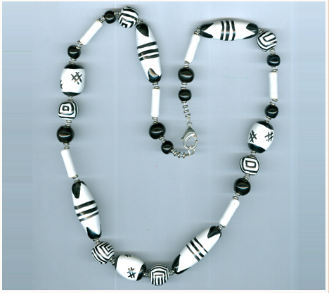 (not my photo, courtesy of Kazuri Beads website)